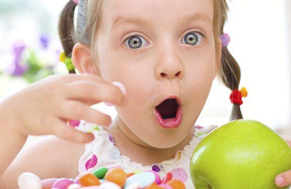 ¡Cuidado! El exceso de dulces y golosinas afecta la salud de los niños y niñas