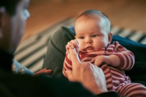Señales de alerta de Autismo en niños menores de 12 meses